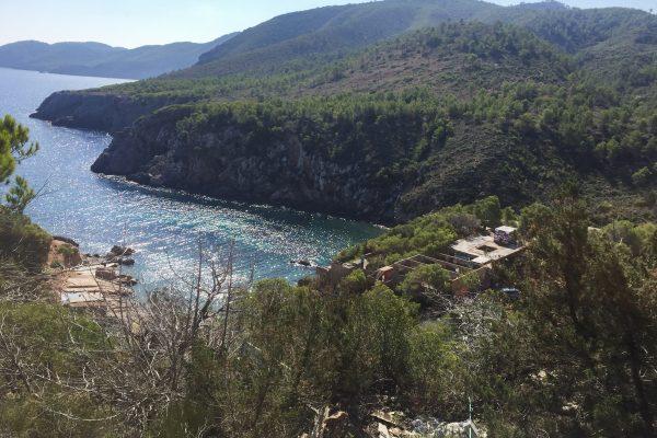 Ibiza: las ruinas de Cala d'En Serra