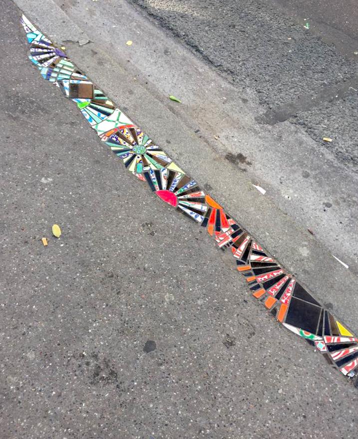Ememem cerámica acera street art parís